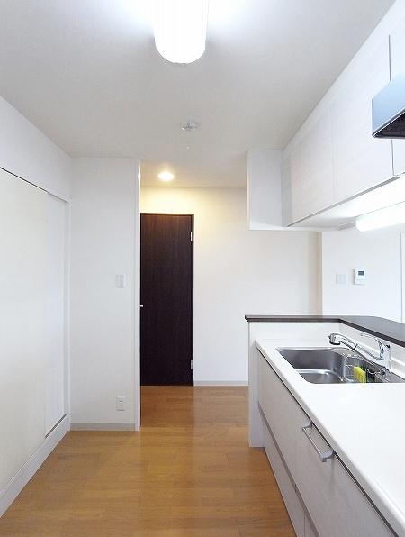 100823_kitchen (15).jpg