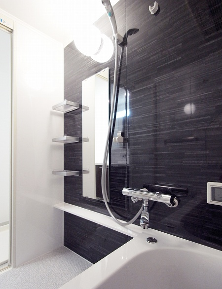 bathroom_110222_m (10).jpg