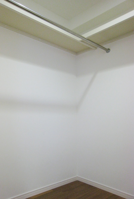 closet_100831 (4).jpg