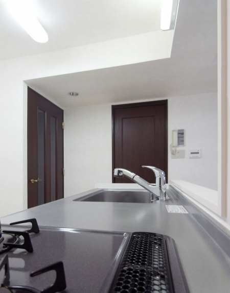 kitchen_100903_ro (12).jpg