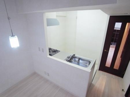 kitchen_100903_ro (13).jpg